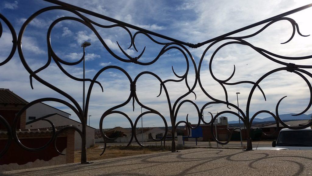 Barandilla de forja artística artesana en hierro macizo (6)-min