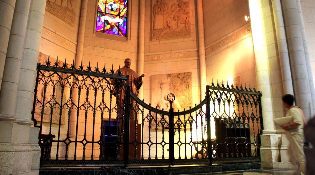 Cancela de Forja Artística Girola Catedral de Madrid-min