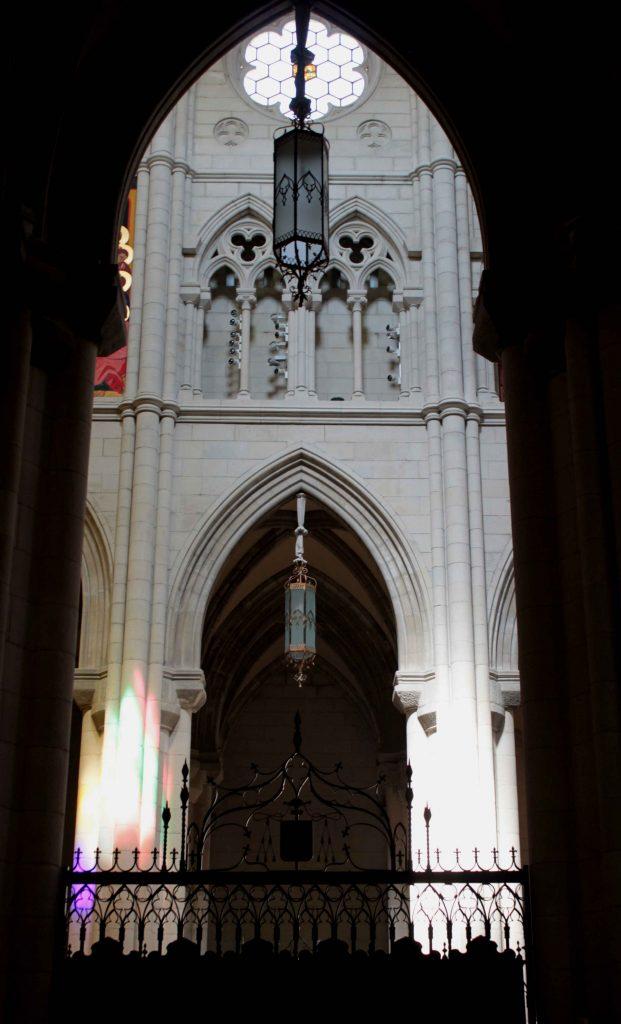 Catedral-de-Madrid-Lámparas-de-Forja