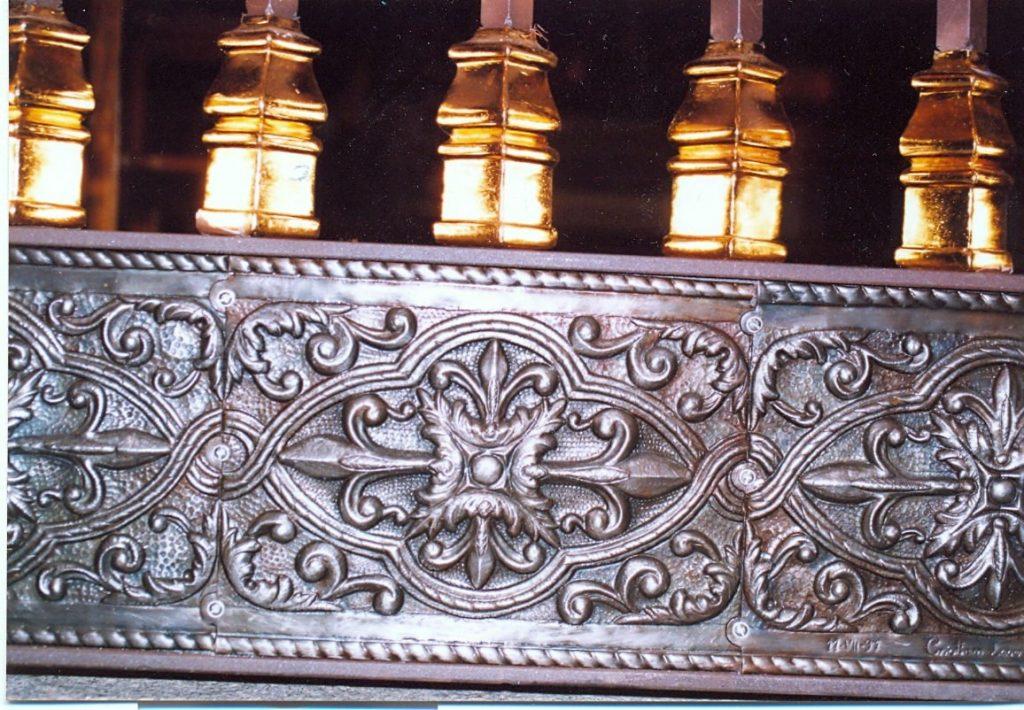 Detalle de Cincelado Puerta de Forja Artística