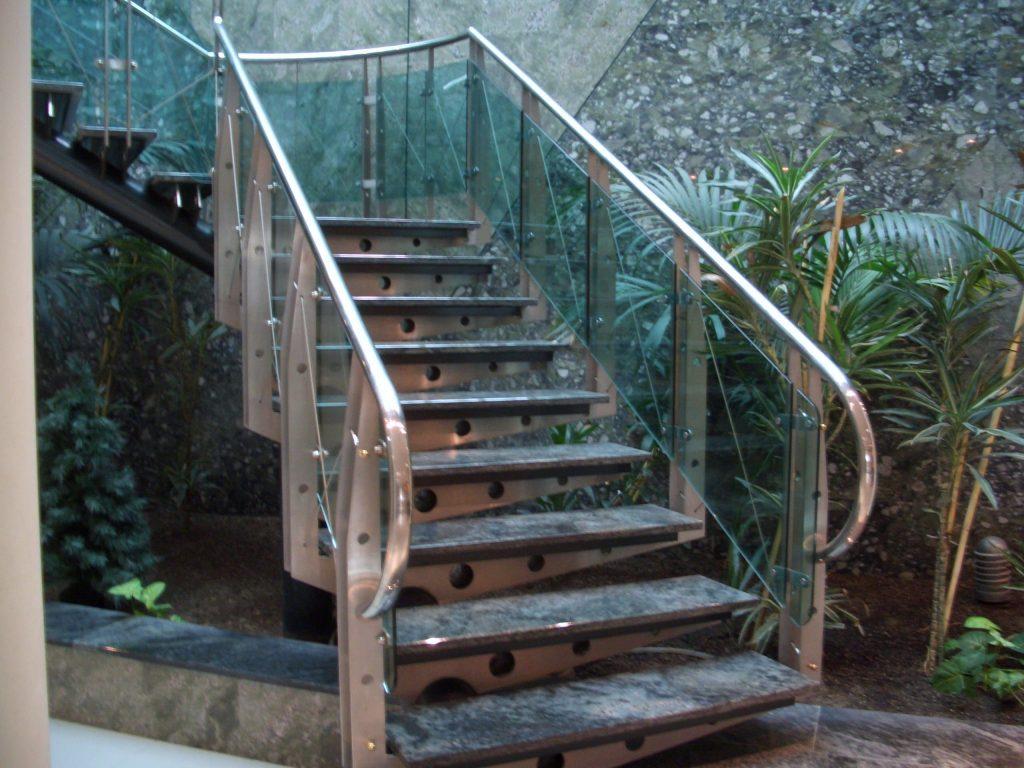 Escalera Acero Inoxidable (1)-min