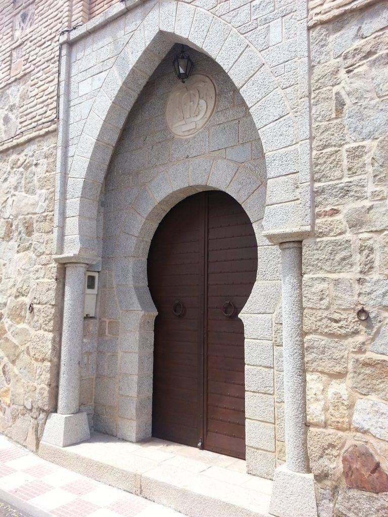 Puerta de forja artística Medieval-min